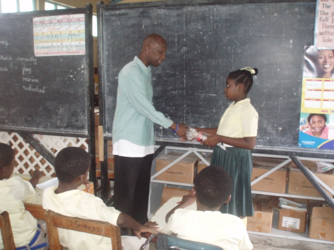 Jericho receives token of appreciation from student at St. Jiles
